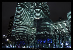 2018.01.02 La Défense by night 26 (garyroustan) Tags: paris france french iledefrance ile island building architecture ville ciudad city nuit night light color noche noel christmas navidad fetes fete feliz joyeux defense