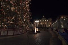 St Peters's Square 2017 01 (uvurp) Tags: sanpietro piazzasanpietro avvento adventzeit xmas 2017 natale natale2017 navidad navidad2017 christmas christmas2017 albero alberodinatale bernini colonnato