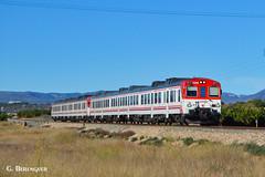 """Doble de """"camellos"""" (ɢ. ʙᴇʀᴇɴɢᴜᴇʀ [ ō-]) Tags: 592 renfe landscape railway railroad"""