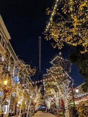 Crane Over X'mas Lights (tourtrophy) Tags: christmaslights santanarow sanjose crane googlepixel2xl androidphotography
