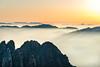 "Golden Sunrise II HuangShan - China ""人生過客匆匆,相機抓住每個剎那,與我擦肩而過的人和事"" (CK NG (choookia)) Tags: goldensunrise huangshan china sonya7rii sonyfe24240mm yellowmountain goldenhours goldenlight golden anhui sunset sunrise sea cloud"