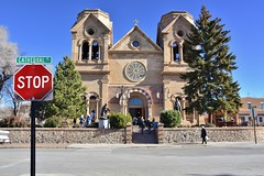 Cathedral Basilica of St. Francis (jpellgen (@1179_jp)) Tags: stfrancis cathedral church catholic architecture travel roadtrip nikon southwest d7200 december 2017 winter sf nm newmexico santafe basilica assisi sigma 1770mm usa america stopsign