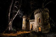 Castillete de los Gosálvez (A.Coleto) Tags: palacio gosalvez puerta castillo linternas iluminación canon led lenser ultrafire villalgordo júcar
