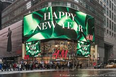 Happy New Year 2018 (20171230-DSC06341) (Michael.Lee.Pics.NYC) Tags: newyork timessquare newyear hm 42ndstreet 2018 sony a7rm2 fe24105mmf4g