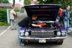 Dodge Challenger R/T SE (Triple-green) Tags: iphotooriginal 2007 440cid auto canon24105mm14l canoneos30d challenger dodge kaunitz plumcrazy rt se sixpack strasenkreuzertreffen uscar v8
