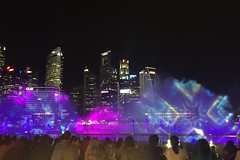 Singapore: Laser light show (peggyhr) Tags: peggyhr singapore skyline laser lightshow people