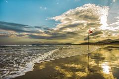 Sunset in Joaquina Beach (rqserra) Tags: praia onda nuvens reflexo colorido beach entardecer waves clouds reflexes colorfull sunset landscape wonderful color rqserra brazil