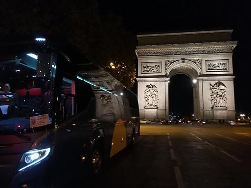 """Autocares Andújar en el Arco del Triunfo en París • <a style=""""font-size:0.8em;"""" href=""""http://www.flickr.com/photos/153031128@N06/38495452785/"""" target=""""_blank"""">View on Flickr</a>"""