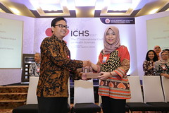 Amrina Rosyada wins best poster award (International Conference on Health Sciences) Tags: international health sciences ichs 2017 yogyakarta indonesia eastparc universitas gadjah mada bpp ugm badan penerbit publikasi medicine medical research researcher speaker emerging reemerging infectious disease tropical neglected sexually transmitted drug resistance technology clinical presentation conference annual ichs2017