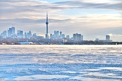 Lake Ontario, Humber Bay Shores Park, Etobicoke, ON (Snuffy) Tags: winter seasons lakeontario humberbayshorespark etobicoke toronto ontario canada