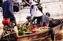 Floating market in the Mekong delta - Vietnam (Photo by Leo) Tags: traveltovietnam vietnam mekongdeltavietnam floatingmarket