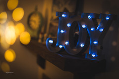 Bokeh Joy | December 2017 (pklopper) Tags: bokeh lights joy mantle warm blue nikon 50mm f14 petrus kloper