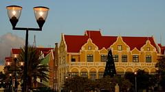 WILLEMSTAD, CURACAO (pwitterholt) Tags: willemstad curacao christmas merrychristmas kerst sintannabaai handelskade kerstverlichting kerstboom sunset sunsetlight zonsondergang sony sonycybershot sonyhx400 caribischezee