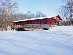 Covered Bridge - Christmas 2017 (mjhedge) Tags: lakeofthewoods coveredbridge mahomet illinois snow christmas olympus oly em1mkiiomdem1markii omdem1mkii omd 714mm mzuiko714mmf28pro