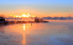 The last sunrise of 2017 over lake Ontario.  Happy New Year!! (Daniel Q Huang) Tags: sunrise icy lake