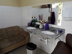 Alojamento e Banheiro Feminino (Vasco Cinquini) Tags: wc alojamento supply vascocinquini vilamilitar fab