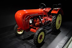 Porsche Traktor (reipa59) Tags: museum porsche oldtimer traktor schlepper stuttgart badenwürttemberg