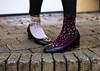 Låt inte gamla mönster stoppa dig (annacajem) Tags: brytamonster colours shoes olikafärger strumpor skor fs171210 fotosondag brytamönster fotosöndag