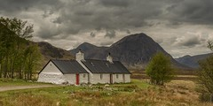 Blackrock Cottage (Chris_Hoskins) Tags: scottishlandscape wwwexpressionsofscotlandcom scottishlandscapephotography landscape scotland buachailleetivemor glencoe