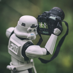 Trooper Photographer (Jezbags) Tags: toy toys actionfigure macro macrophotography macrodreams canon canon80d 80d 100mm closeup upclose star starwars stormtrooper stormtroopers trooper troopers photographer phot photography photo camera pose career change