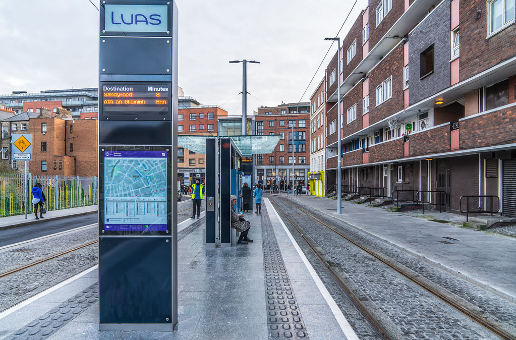 THE LUAS CROSS-CITY TRAM SERVICE CAME INTO OPERATION TODAY [LOWER DOMINICK STREET STOP]-134395