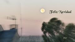 (871/17) Feliz Navidad (Pablo Arias) Tags: pabloarias photoshop photomatix capturenxd españa cielo nubes arquitectura casa felicitación luna antena paracuellosdejarama madrid