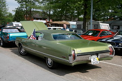 Chrysler Newport, 1972 (Triple-green) Tags: iphotooriginal 1972 2007 auto canon24105mm14l canoneos30d chrysler kaunitz newport strasenkreuzertreffen uscar