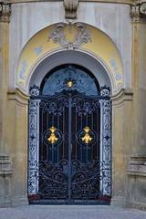 Prager Türen & Fenster - 11 (fotomänni) Tags: tür türen door doors fenster window fenetre windows prag praha prague manfredweis