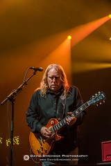 Les Bros - 2017 Xmas Jam (Asheville, NC) (David Simchock Photography) Tags: asheville christmasjam davidsimchock davidsimchockphotography frontrowfocus go4dindasproductinos habitatforhumanity hardheadmanagement lesbros nikon northcarolina uscellularcenter uscc warrenhaynes warrenhayneschristmasjam xmasjam avl avlent avlmusic band benefit concert event festival fundraiser image livemusic music musician performance photo photography usa