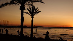 SUNSET ON THE BEACH 20160906_201020 (hans 1960) Tags: beach strand palmen people silhouette wasser water himmel sky farben colours malle mallorca urlaub holyday spanien