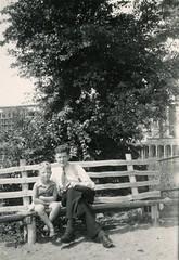 Renkum Veerweg op bank naast veerhuis met pa Lambert Delsink en Ton Foto 1946 Collectie Ton Delsink (Historisch Genootschap Redichem) Tags: renkum veerweg op bank naast veerhuis met pa lambert delsink en ton foto 1946 collectie