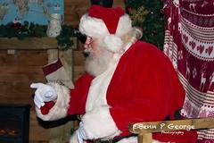 SANTAS-GROTTO-9-12-17-DOBBIES-KINGS-LYNN-(7) (Benn P George Photography) Tags: santasgrotto kingslynn 91217 bennpgeorgephotography santa christmas family georges