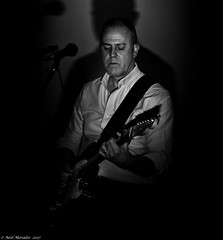 Make it cry and sing. (Neil. Moralee) Tags: bar nineneilmoralee neilmoralee guitar man play player musician face portrait dark shadow rythm lead electric rock roll pop blues lowpointofview lpov flash strobe barnone band taunton somerset uk neil moralee nikon d7200 black white bw bandw blackandwhite mature gig concert none tune makeitcryandsing swing spooky live