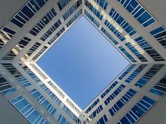 SAMSARA (krisztian brego) Tags: olympus omd em1 mzuiko digital 714mm f28 pro budapest váci greens architecture building windows glass sky court