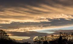Sunset Little Sandhurst 31 December 2017 (16) (BaggieWeave) Tags: berkshire sandhurst littlesandhurst sunset atmospheric newyearseve clouds