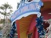 Grinchmas (lorablong) Tags: grinchmas drseuss seusslanding ioa islandsofadventure universal universalorlando uso christmas christm2004