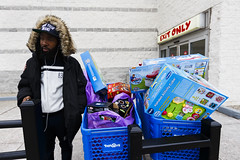 Cold Chillin' Christmas (JMJ Cinematics) Tags: canon christmas xmas presents gifts shopping brooklyn toysrus toys toy merrychristmas nyc newyorkcity newyork ny nuevayork jmjcinematics josemiranda addtocart shoppingcart photojournalist photojournalism portrait streetphotography