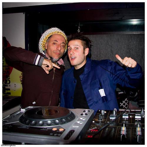 Dj SandRino - Bunna 🎧  📷 di @ sandro inches ] ;)::\☮/>> http://www.elettrisonanti.net/galleria-fotografica #musica #bunna #skylab #sottosuolo #dalvivo 🎥 #elettritv 📲💻 #music #underground #rock #hiphop #freec