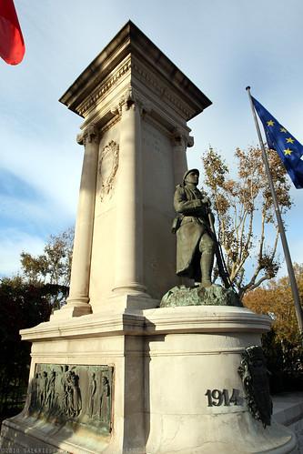 FR10 9483 WWI Monument. Narbonne, Aude, Languedoc