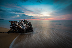 09122017-ACP_4478a-2 (alexandrechary) Tags: sunset sun seascape sea ocean water sky driftwood wood sand longexposure ndfilter landscape island thailand asia phuket
