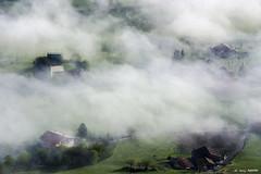 Tertanga desde Orduña (Jabi Artaraz) Tags: jabiartaraz jartaraz zb euskoflickr tertanga orduña niebla casas bruma mañana