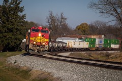 Wrong Turn At Albuquerque. (lukeharwell) Tags: canon electric diesel container train transportation railroad railway curve chinagrove intermodal dash9 fakebonnet warbonnet santafe bnsf atsf
