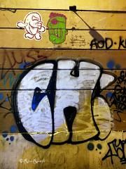 Roma. Testaccio. Street art by Merioone, Tzing Tao and tags (R come Rit@) Tags: italia italy roma rome ritarestifo photography streetphotography urbanexploration exploration urbex testaccio streetart arte art arteurbana streetartphotography urbanart urban wall walls wallart graffiti graff graffitiart muro muri artwork streetartroma streetartrome romestreetart romastreetart graffitiroma graffitirome romegraffiti romeurbanart urbanartroma streetartitaly italystreetart contemporaryart artecontemporanea artedistrada underground merioone tzingtao tags tag poster posterart colla glue paste pasteup