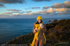 Lola, invierno (II) (Jaime GF) Tags: girl cliff sunset sea coast sky clouds chica acantilado costa mar cielo nubes cabodepeñas viodo gozón asturias spain nikon d7000