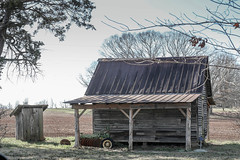 Old shed & outhouse - Townville, Oconee Co, SC (DT's Photo Site - Anderson S.C.) Tags: canon 6d sigma 50mm14 art lens townvillesc southcarolina old vintage upstate rural country road barn shed house outhouse privy southernlife