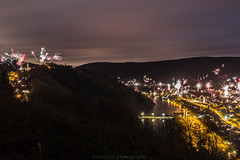 Dilsberg - Neckarsteinach New Year's Eve 2017/2018 IV (boettcher.photography) Tags: hessen winter nacht night lights lichter neckar river fluss dilsberg neckargemünd badenwürttemberg rheinneckarkreis silvester feuerwerk fireworks newyear neujahr 2018 sashahasha boettcherphotography boettcherphotos