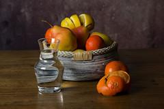 Nature morte (pictopix) Tags: nature morte naturemorte fruits légumes couleurs lumière mandarine clémentine citron poire pomme