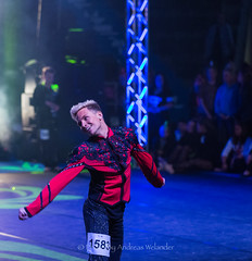 AW713789 (Photo By Andreas Welander) Tags: photobyandreaswelander tävlingsdans tävlingsdisco indoor pictures picturesoftheday arena andreaswelander sweden sports sverige sdo dans discodance disco discodans dansakademi discosm formation discoformation kindahlsdansakademi kindahls kindahlsdansakademibromma canon canon5dmiii canonsweden canon5d