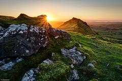 Chrome Hill Sunrise (scarramooch) Tags: peaks peakdistrict hills chrome sunrise sunburst nikon d7100 lee england uk outside outdoor countryside colour sun grass green rocks sky foreground