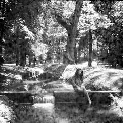 PHSQUAT2036_014 (newmandrew_online) Tags: filmisnotdead film filmphotografy film120 сф чб пленка 6x6 mamiya bw mamiyac220 svema minsk belarus portrait expired tlr blackandwhite black forest